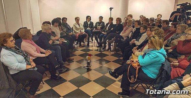 """Mesa redonda """"¡Adiós a mi querida España!, Foto 1"""