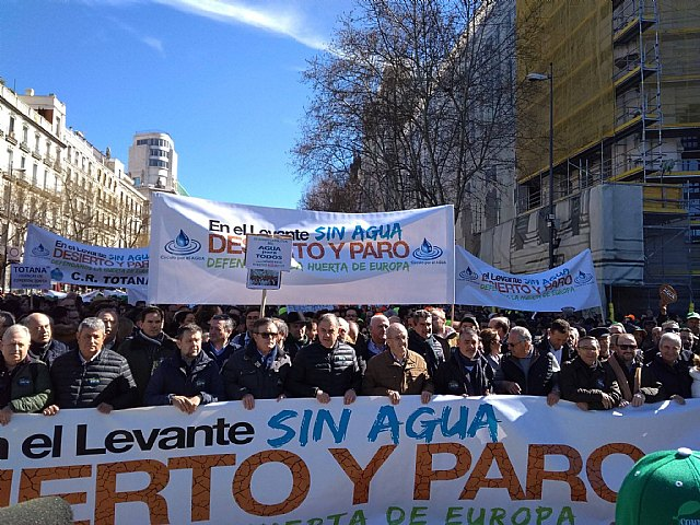 Municipal authorities participated today in the demonstration held in Madrid to claim water for the Spanish Levante - 2