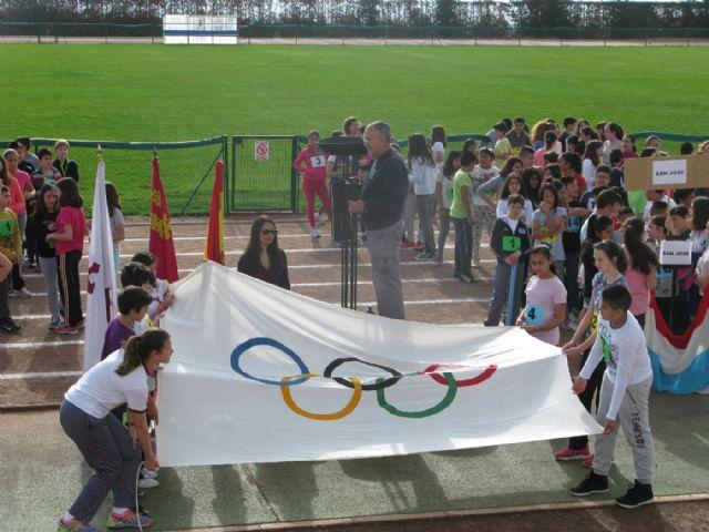 Unos 360 alumnos de 6° de Educación Primaria de los ocho colegios de Totana participan en la Olimpiada Escolar, Foto 1