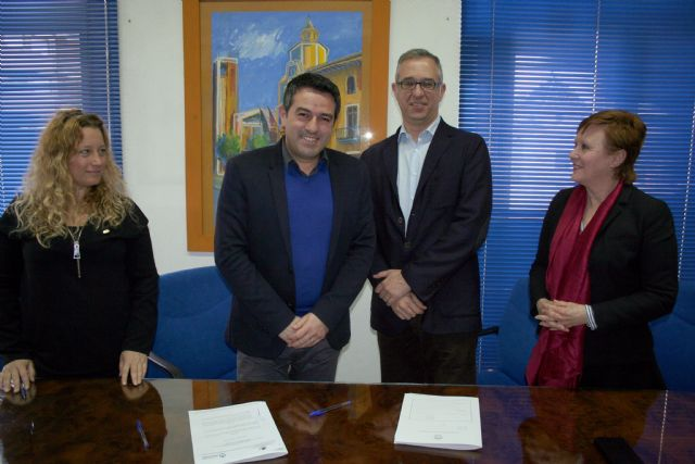 Ayuntamiento y la Sociedad Geográfica de la Región, suscriben un convenio de colaboración - 2, Foto 2