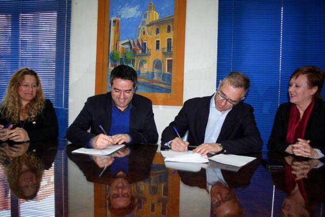 Ayuntamiento y la Sociedad Geográfica de la Región, suscriben un convenio de colaboración - 3, Foto 3