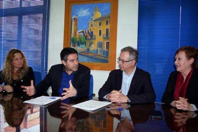 Ayuntamiento y la Sociedad Geográfica de la Región, suscriben un convenio de colaboración - 4, Foto 4