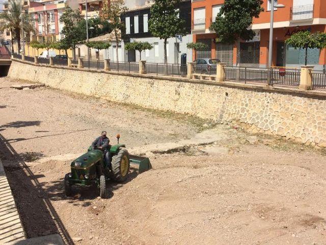 Adecuan el cauce de la rambla de La Santa a su paso por el casco urbano, Foto 5