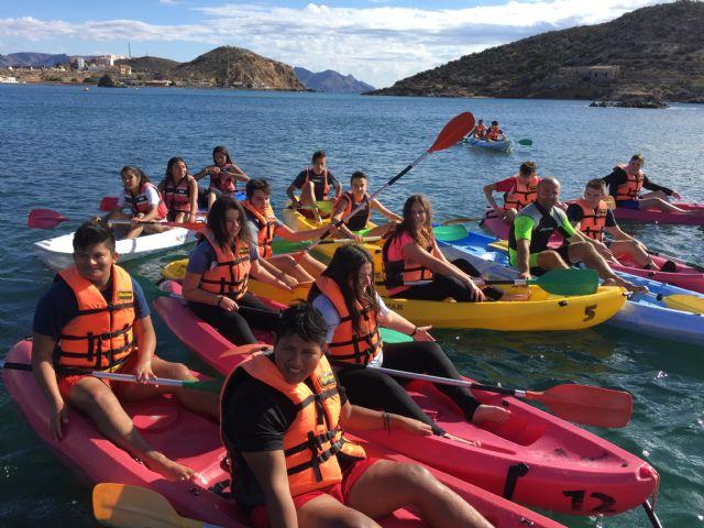 800 escolares se forman en deportes náuticos gracias a un programa financiado por el ayuntamiento, Foto 2