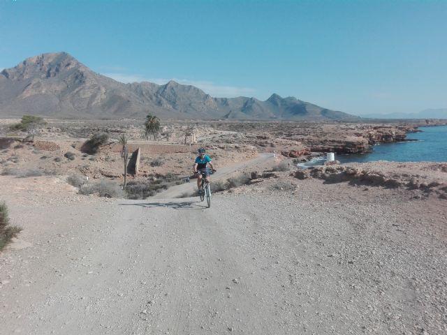 Cerca de 300 ciclistas llegan a Puerto de Mazarrón el próximo domingo, Foto 1