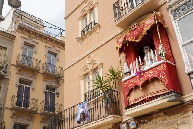 Un balcón de la plaza Risueño gana el concurso de embellecimiento de Semana Santa - 1, Foto 1