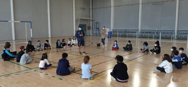 Deportes divulga entre los más jóvenes la importancia de la actividad física y la alimentación saludable - 1, Foto 1