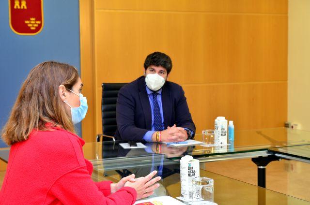 La Presidenta del Colegio de Farmacéuticos de Murcia se reúne con el Presidente del Ejecutivo, Foto 2