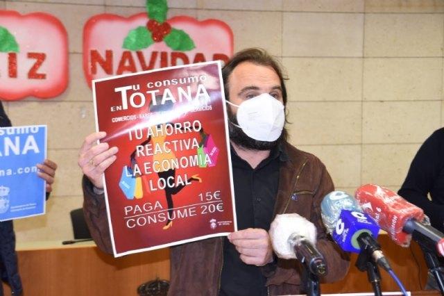 El Ayuntamiento abona más de 50.000 euros a los comercios que participaron en la campaña de los cheques-bono para incentivar las compras en Totana, Foto 1