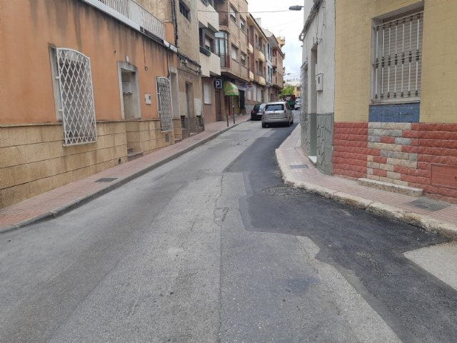 Finalizan las obras de urgencia acometidas para renovar un tramo de la red de alcantarillado y saneamiento de la calle Maderera - 1, Foto 1