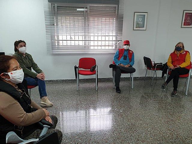 Cruz Roja de Totana, muy pendientes de las necesidades de los vecinos y vecinas - 1, Foto 1