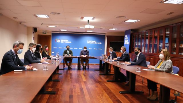 El presidente del Partido Popular de la Región de Murcia, Fernando López Miras, ha presidido hoy la primera reunión del recién nombrado Comité de Dirección del PPRM, Foto 1
