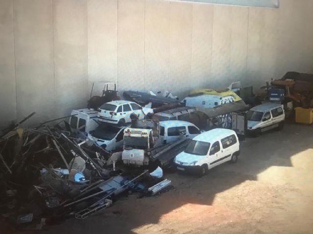 El PSOE de San Javier denuncia al Seprona un segundo presunto desguace ilegal de vehículos en instalaciones municipales - 2, Foto 2