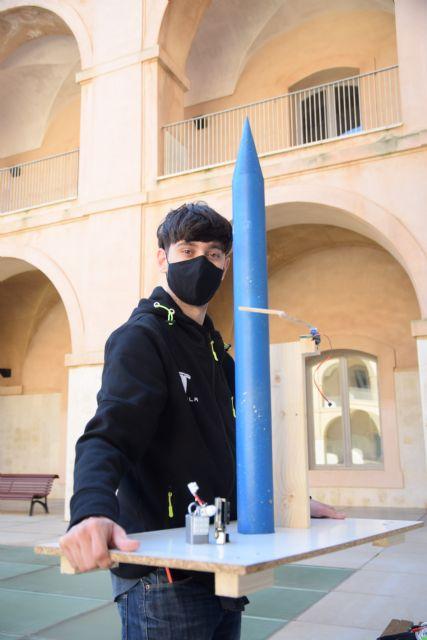 Un estudiante de Industriales lanza el prototipo a escala de un cohete diseñado por él en sus ratos libres - 2, Foto 2