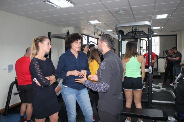 La alcaldesa visita a los alumnos del Ciclo Formativo de Acondicionamiento Físico - 1, Foto 1