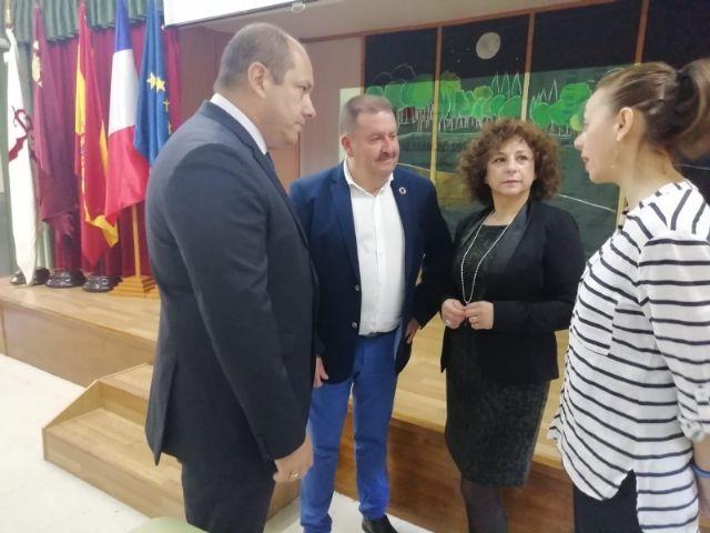 El alcalde acompaña al cónsul honorario de Francia en la Región de Murcia en una jornada formativa organizada por el Departamento de Lengua Francesa en el IES Prado Mayor - 1, Foto 1