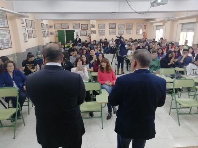 El alcalde acompaña al cónsul honorario de Francia en la Región de Murcia en una jornada formativa organizada por el Departamento de Lengua Francesa en el IES Prado Mayor - 2, Foto 2