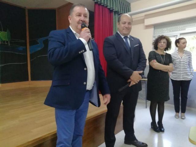 El alcalde acompaña al cónsul honorario de Francia en la Región de Murcia en una jornada formativa organizada por el Departamento de Lengua Francesa en el IES Prado Mayor - 3, Foto 3