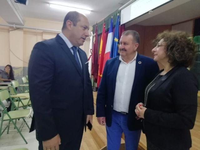 El alcalde acompaña al cónsul honorario de Francia en la Región de Murcia en una jornada formativa organizada por el Departamento de Lengua Francesa en el IES Prado Mayor - 4, Foto 4