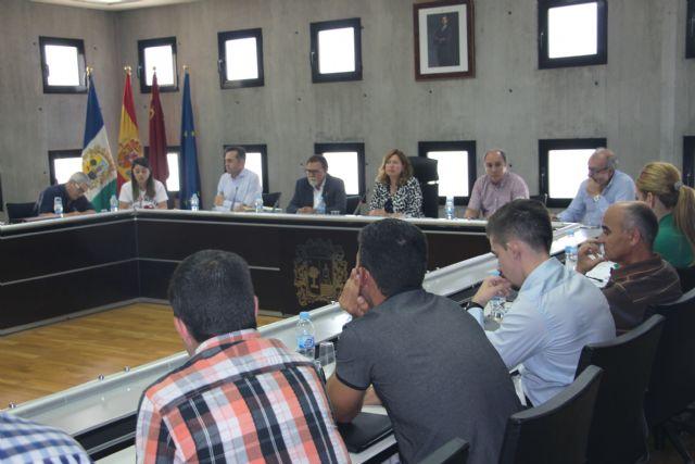 El Ayuntamiento aprueba un reglamento municipal para la concesión de Honores y Distinciones - 1, Foto 1
