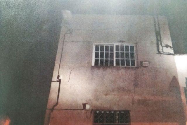 Cae el techo de una vivienda en el barrio José María Lapuerta - 1, Foto 1