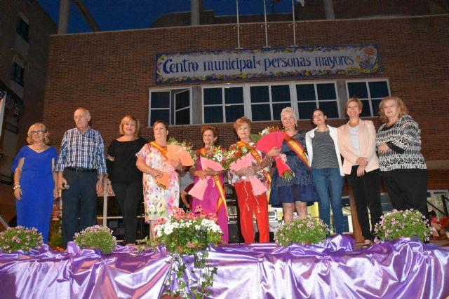 Juana Cánovas, nueva reina del Centro Municipal de Personas Mayores de la plaza Balsa Vieja del año 2019