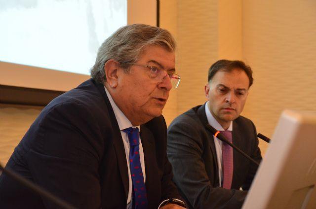 El presidente del Instituto de Contabilidad y Auditoría de Cuentas de España (ICAC) analiza en Murcia los últimos aspectos de normalización contable en el marco europeo que afectan a todo el sector empresarial - 1, Foto 1