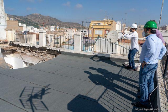 Urbanismo ordena el desescombro, saneamiento y la instalación de una cubierta provisional en el edificio de Condesa Peralta - 1, Foto 1