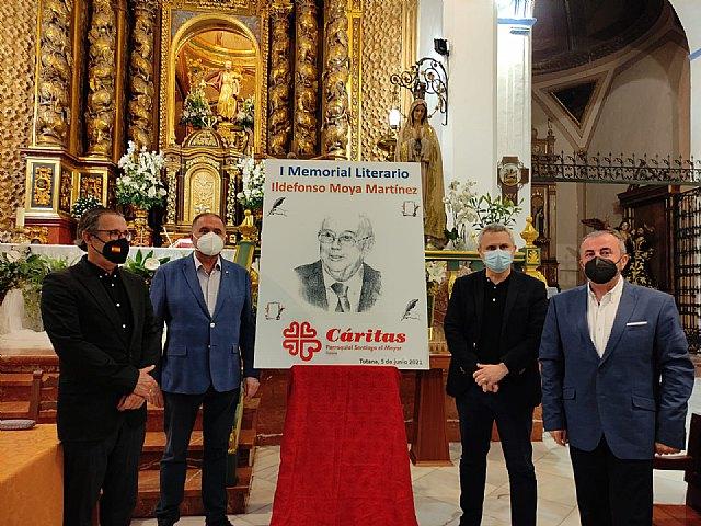 [El periodista Gregorio J. Asensio y el profesor José Antonio Riquelme ganan el I Certamen Literario Memorial Ildefonso Moya de Totana, que ha organizado Cáritas de Santiago