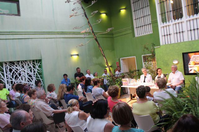 Isabel Navarro presenta su nuevo libro La Boca Agua en Puerto Lumbreras - 2, Foto 2