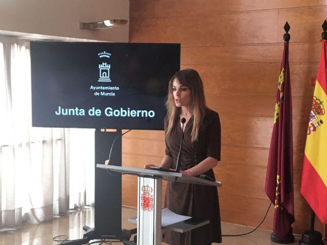 La Concejalía de Derechos Sociales mantiene su colaboración con el Banco de Alimentos del Segura del que se benefician 22.000 personas, Foto 1