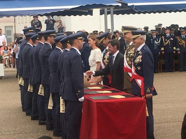 El Rey  Felipe VI presidió la entrega de Despachos a los nuevos Tenientes  en la Academia General del Aire de San Javier - 3, Foto 3