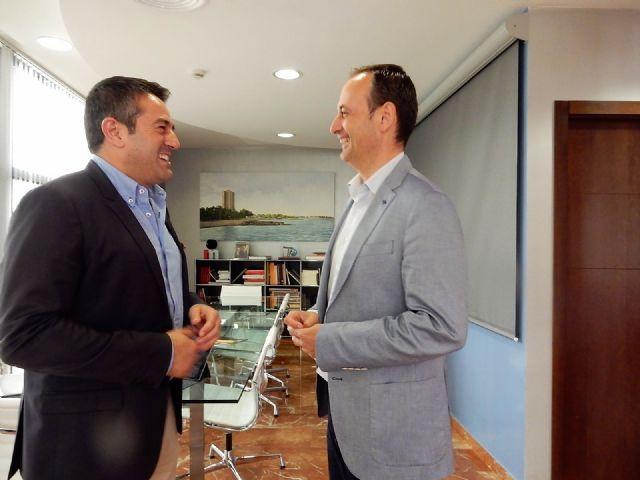 El alcalde de Alcantarilla, Joaquín Buendía, se reúne con el consejero de Turismo, Cultura y Medio Ambiente, Javier Celdrán - 3, Foto 3