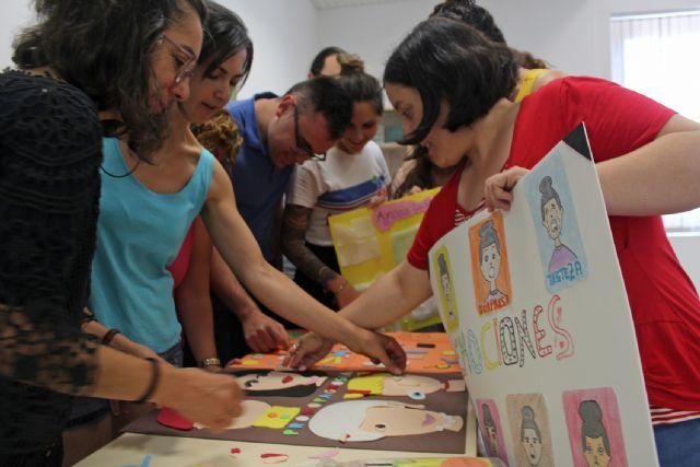 Una quincena de desempleados lumbrerenses se especializan en el cuidado a personas dependientes en instituciones sociales - 1, Foto 1