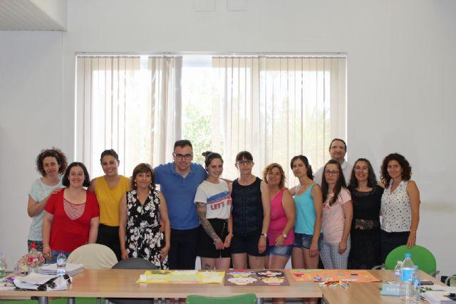 Una quincena de desempleados lumbrerenses se especializan en el cuidado a personas dependientes en instituciones sociales - 3, Foto 3