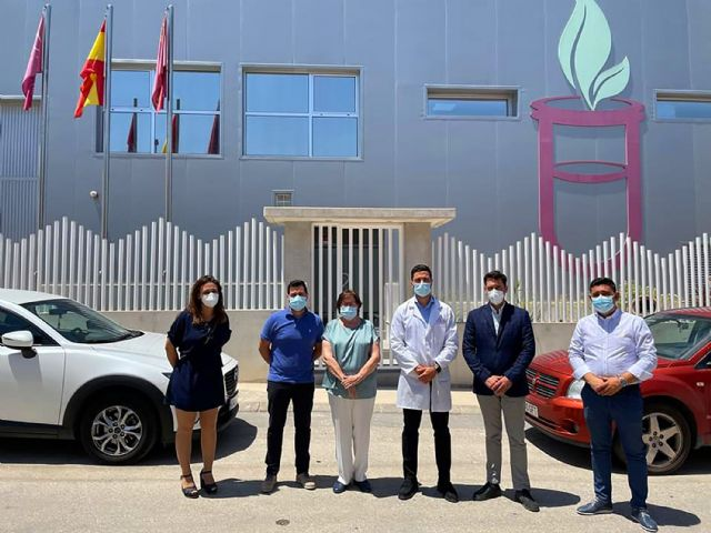 El alcalde torreño visita Laboratorios NatuAromatic, referente en la fabricación de perfumería, cosmética, ambientación e hidroalcohólicos - 1, Foto 1