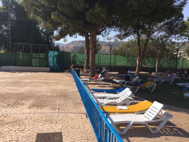 La piscina de verano, en plena actividad durante el mes de agosto, Foto 3