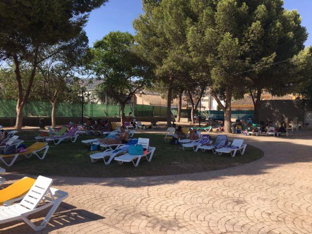La piscina de verano, en plena actividad durante el mes de agosto, Foto 4