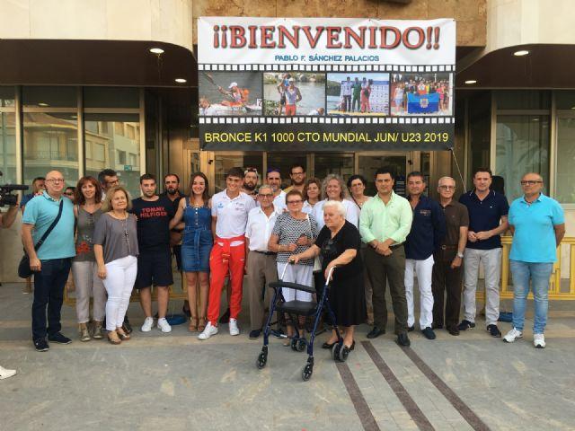 Calurosa acogida en el Ayuntamiento de San Javier al piragüista Pablo Sánchez, medalla de bronce en el Campeonato del Mundo junior y sub-23 celebrado en Rumanía - 5, Foto 5