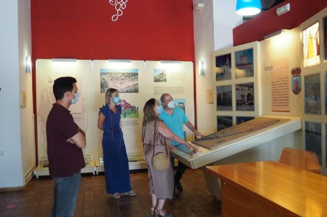 Visita de la Directora General de Competitividad y Calidad Turísticas a Bullas - 2, Foto 2