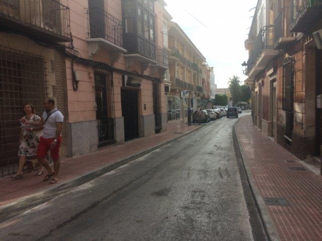 Abierta al tráfico definitivamente la calle Juan XXIII tras las importantes obras de acondicionamiento y mejora de las aceras en esta vía comercial, Foto 4
