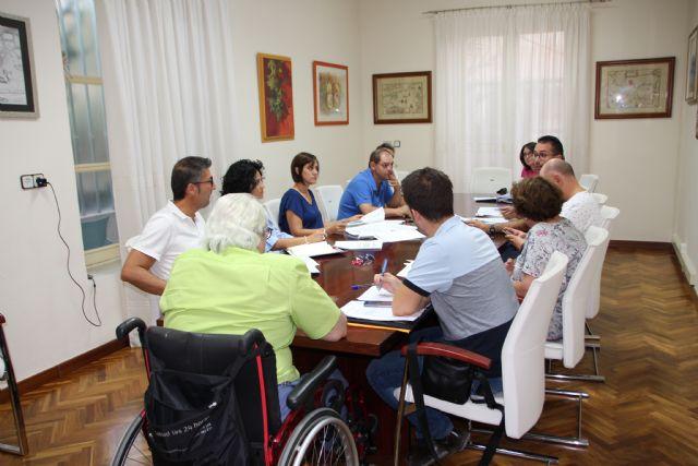 El Ayuntamiento trabaja en una mejor regulación de la tarjeta de estacionamiento para personas con movilidad reducida, Foto 1