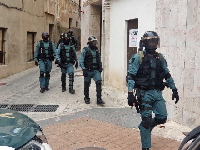 Una operación en materia de seguridad ciudadana interviene en tres viviendas ocupadas - 1, Foto 1