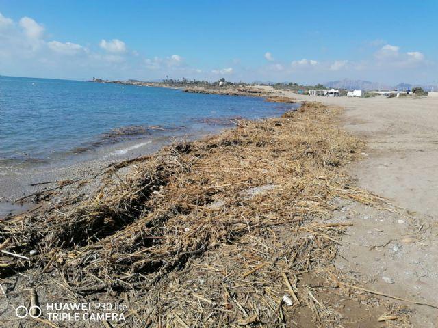 Las playas se recuperan lentamente tras los destrozos de las lluvias de la pasada semana - 2, Foto 2