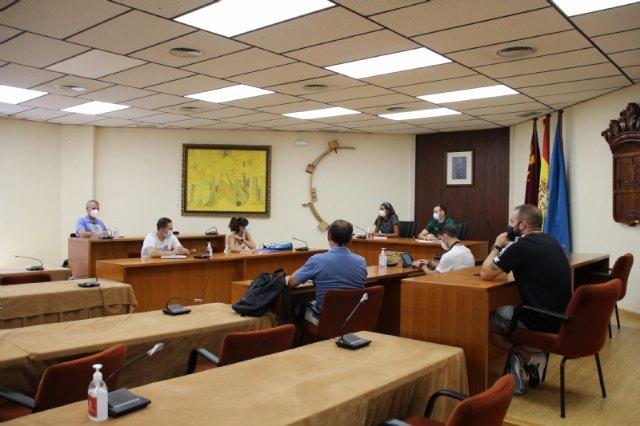 La concejalía de Deportes planifica el nuevo curso deportivo con los colegios, Foto 1