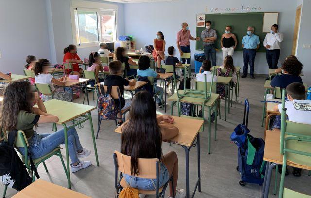 Unos 2.500 escolares inician el curso en Las Torres de Cotillas, que llega con la novedad de la ampliación del colegio San José - 4, Foto 4