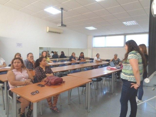 Se clausura el Curso de Formaci�n Psicoeducativa que ha impartido la Solidaridad Intergeneracional en el Centro de Desarrollo Local, Foto 1