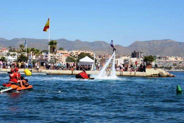 Las Motos de Agua y el Flyski hacen las delicias de cientos de personas que disfrutan de la Copa del Rey, Foto 2