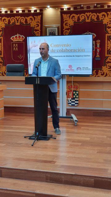 El Ayuntamiento de Molina de Segura firma un convenio con Cáritas para atender a personas en situación de vulnerabilidad en 2021 - 2, Foto 2