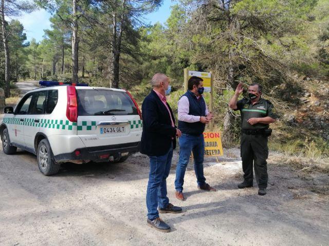 La Comunidad acondiciona el acceso a la garita forestal de ´La Selva´ en la sierra de Pedro Ponce - 1, Foto 1